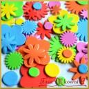 Naklejki z pianki kwiatuszki ze środkami 72 sztuki