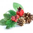 Gałązka ozdobna 20cm ( igliwie, jagódki, szyszki, dzikie róże)